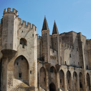 Pamiatky a ubytovanie v starobylom Avignone