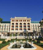 pow_hotelfront_l
